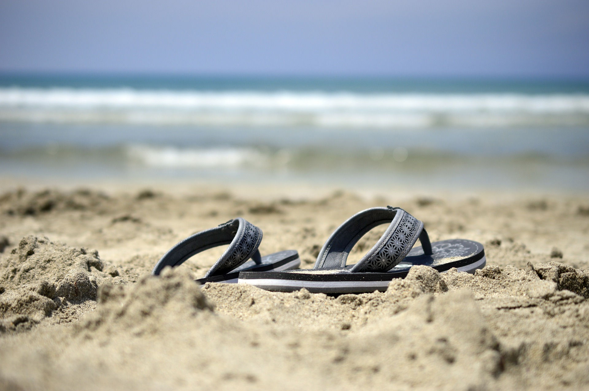 Lodičky kontra elegantní sandály